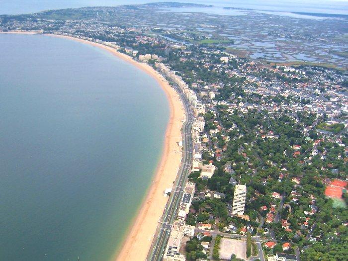 vue aerienne de la plage de La Baule