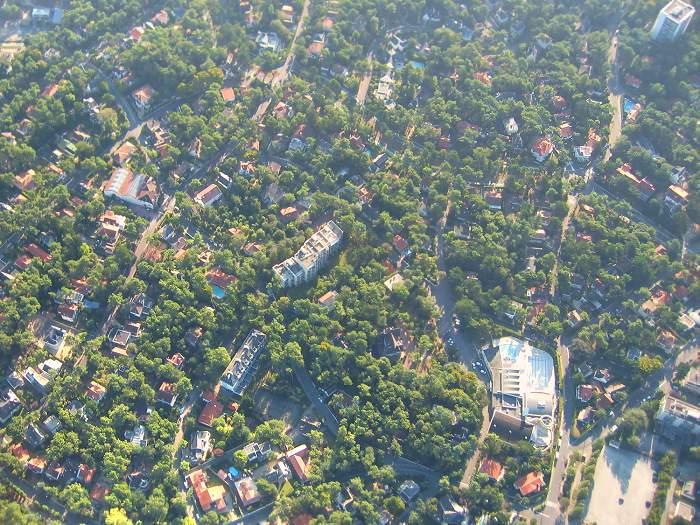 vue aérienne de l'aquabaule, les Villas Blanches