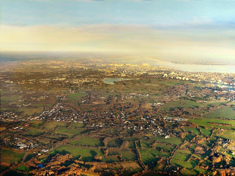 En fin d'après-midi, retour à La Baule avec vue sur Saint-André des Eaux et Saint-Nazaire