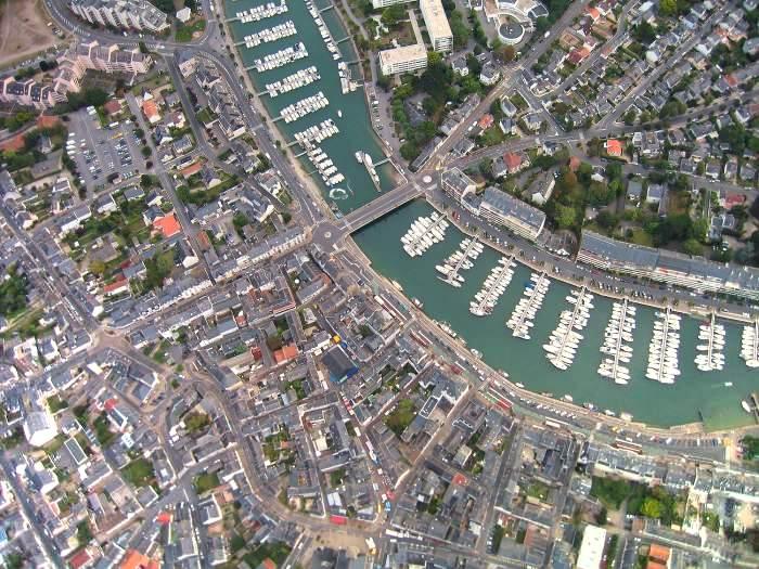 Vue aerienne de La Baule, Le Pouliguen et le Port de Plaisance